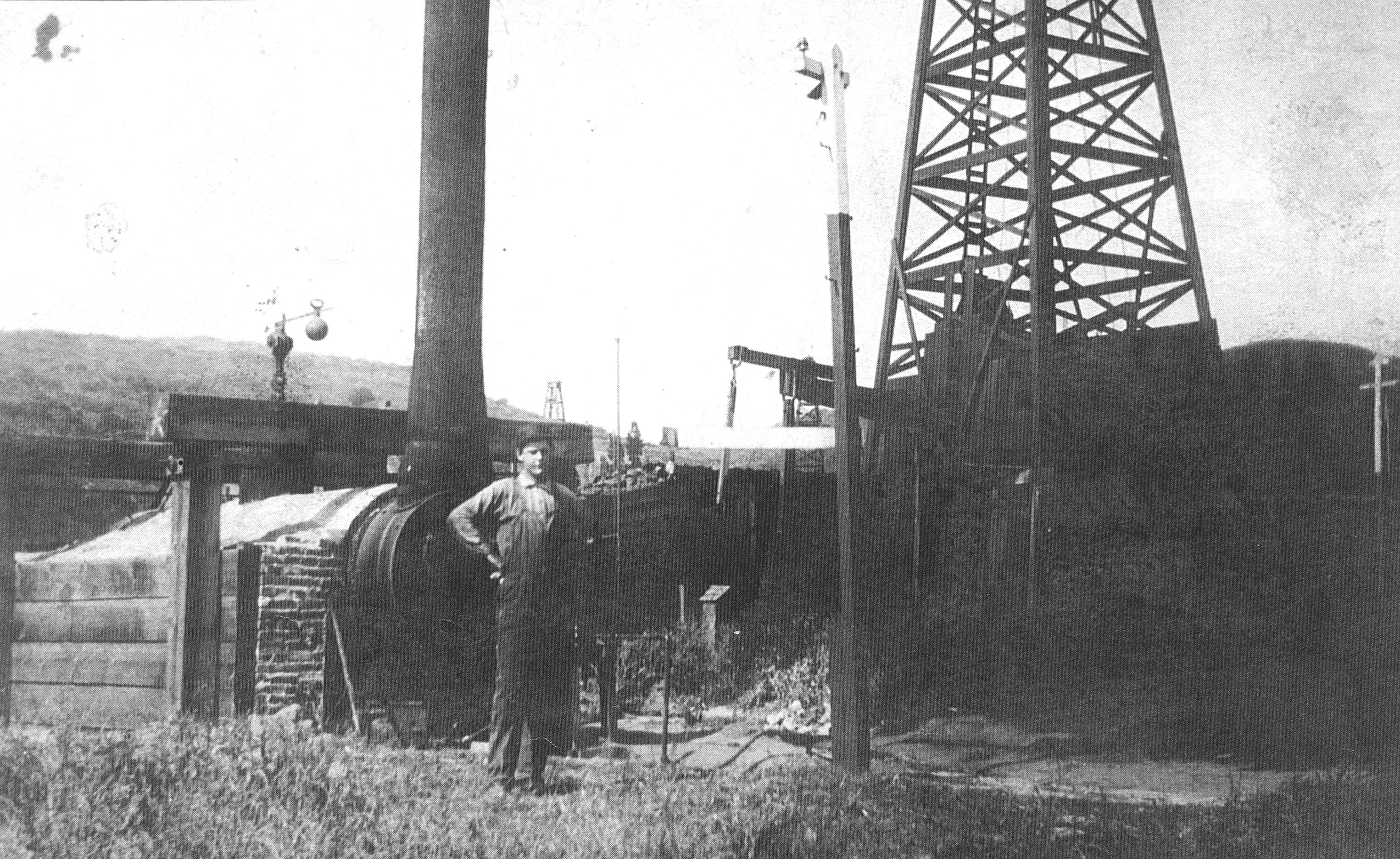 Oil worker h handel of the petroleum development company
