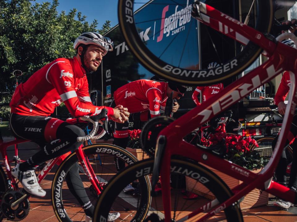 d50ca7dab Trek-Segafredo 2018 cycling team kit