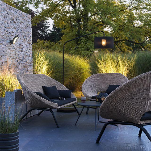 Table d\'appoint en métal Nova ø70 cm noir | house | Terrace Garden ...