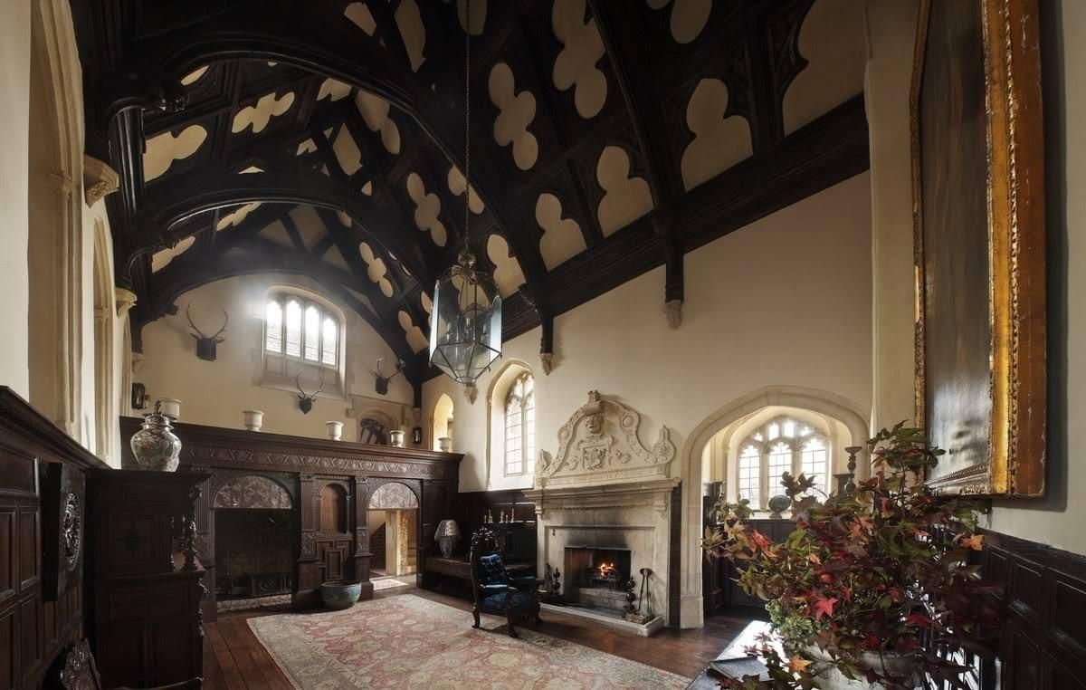 The Great Hall Of South Wraxall Manor Castle Decor English