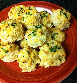 Eat Yourself Skinny!: Garlic Cheddar Biscuits