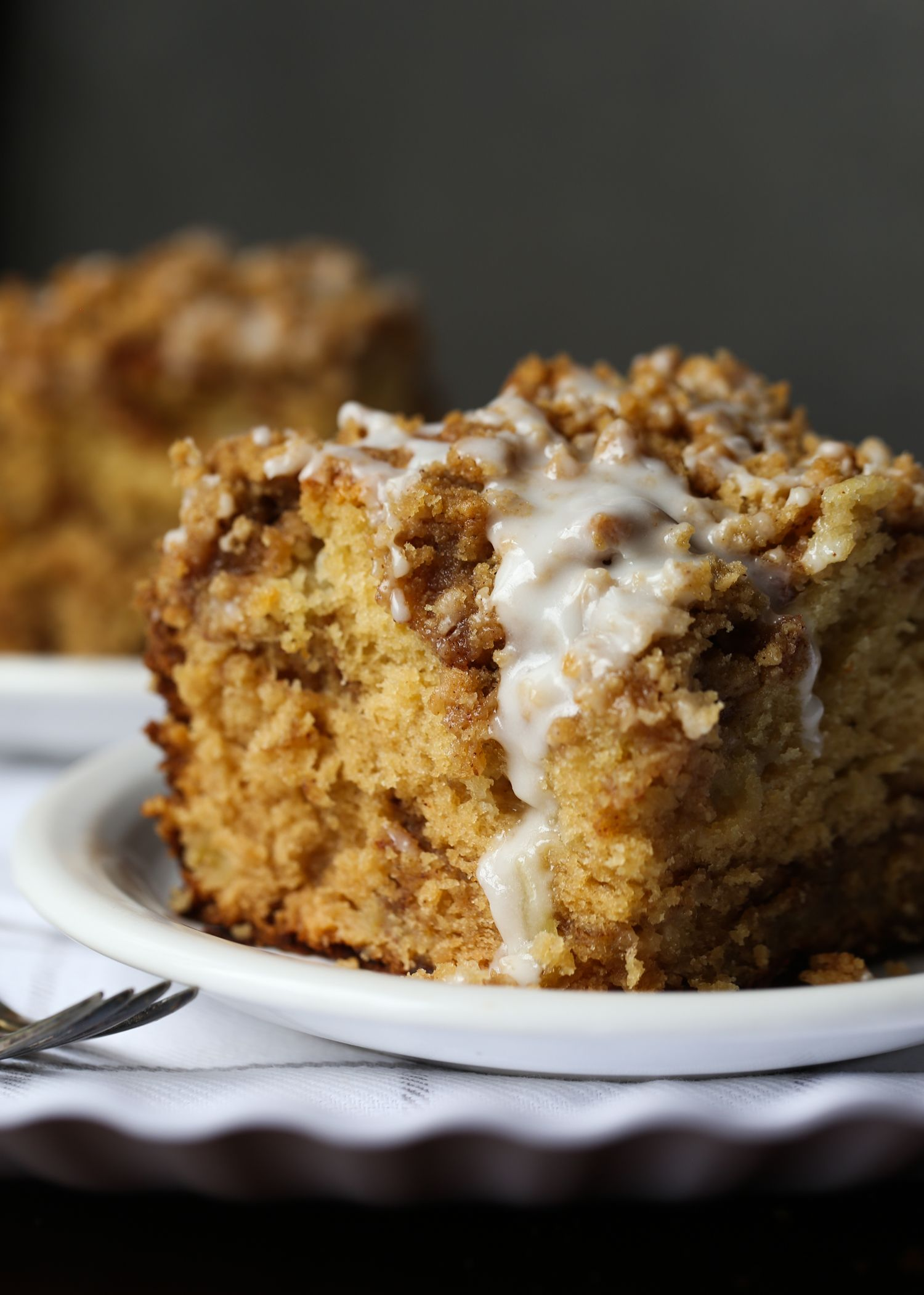 Sour Cream Apple Cake Is Soft Tender And Loaded With Apples And Cinnamon The Crumb Topping Sour Cream Recipes Cake Recipe With Sour Cream Apple Cake Recipes