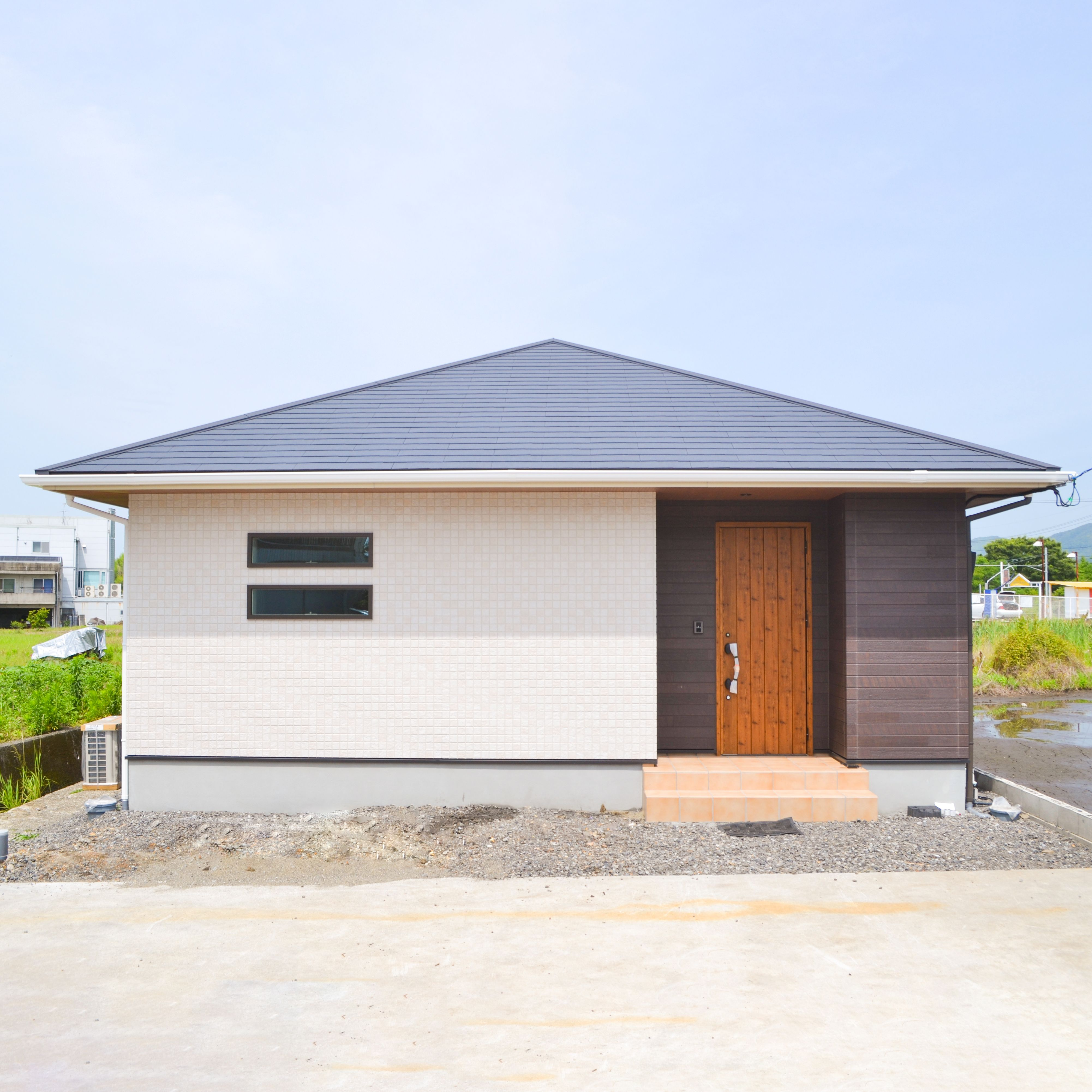 シンプルな平屋の家 平屋 外観 デザイン 平屋の家 平屋 寄棟 外観