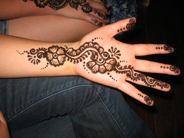 Cute Mehndi Tattoo : Simple henna tattoo designs flowers hennas and flower