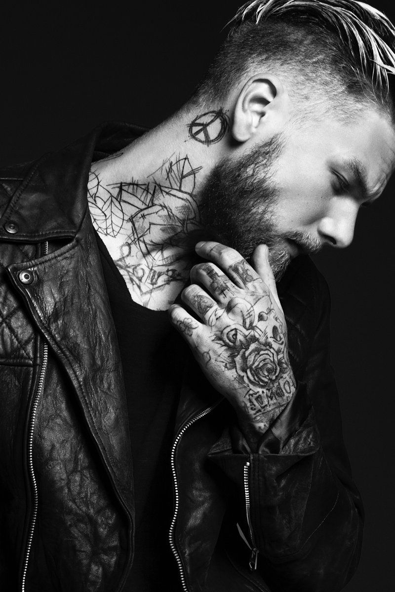 Keno Weidner Flaunts His Tattoos for Bowen Fall/Winter ...