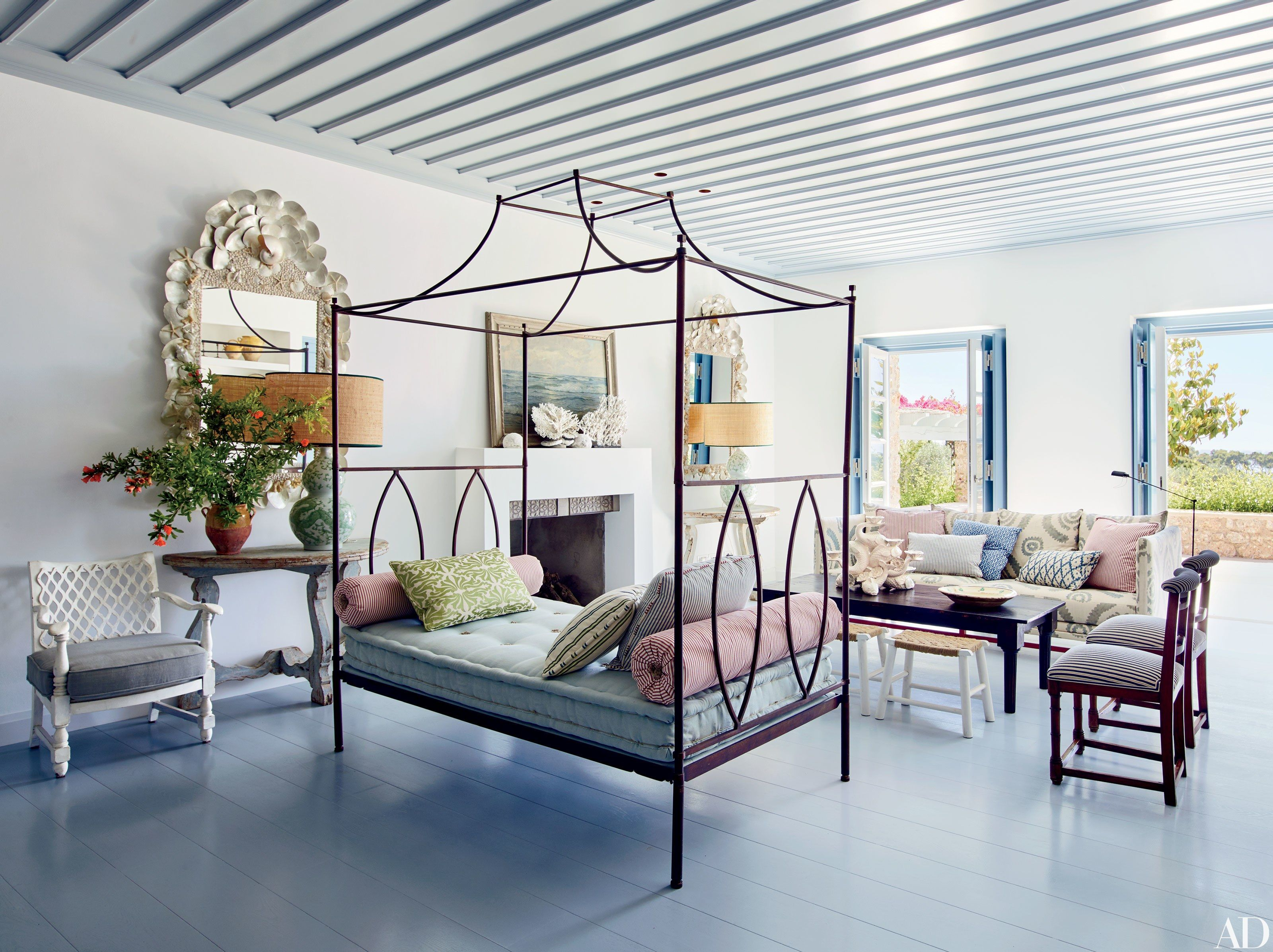 10 Rooms That Do Mediterranean Style Right | Mediterranean style ...
