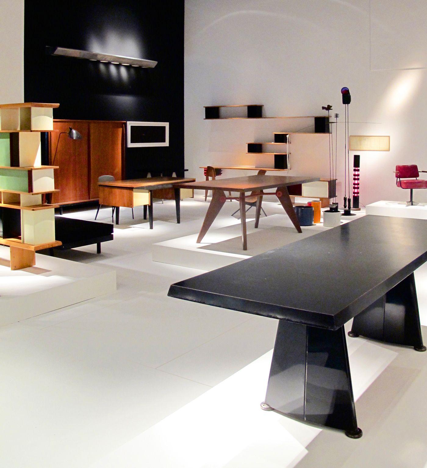 Galerie Downtown Expose Le Mobilier De Jean Prouve Mobilier Design Interieur Design Mobilier