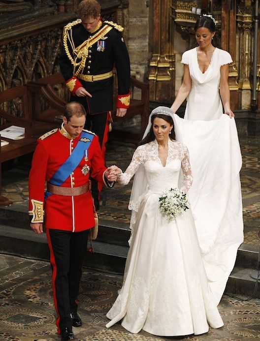Look at Kate Middleton\'s Wedding Dress From Every Angle | Wedding ...