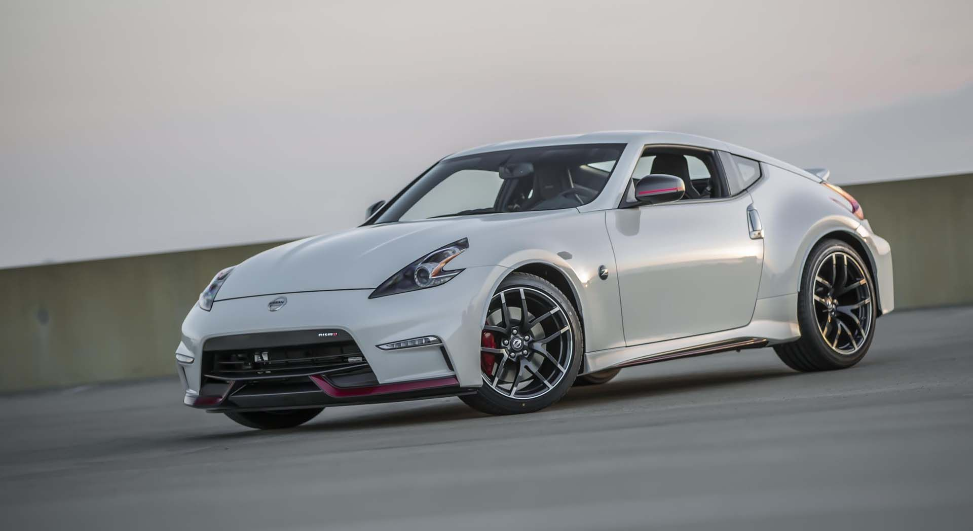 Nissan Z Exterior And Interior Review Cars Picture - Small sports cars 2015