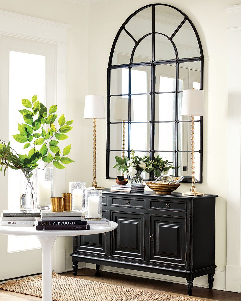 8 Reasons We Love Decorating With Black And White Entryway Table
