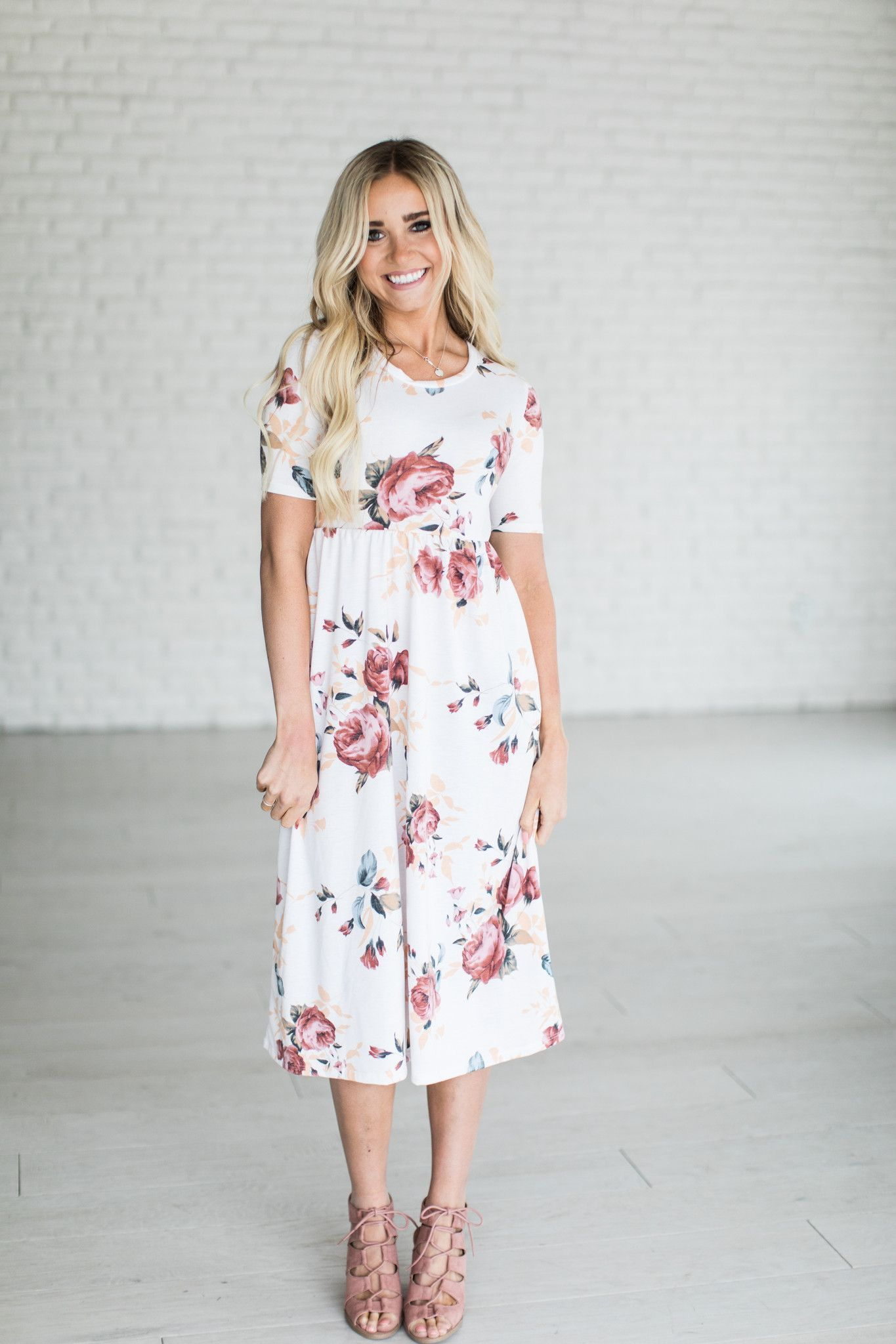 1027361c3b1 Casual Short Sleeve Pocket Design White Floral Dress