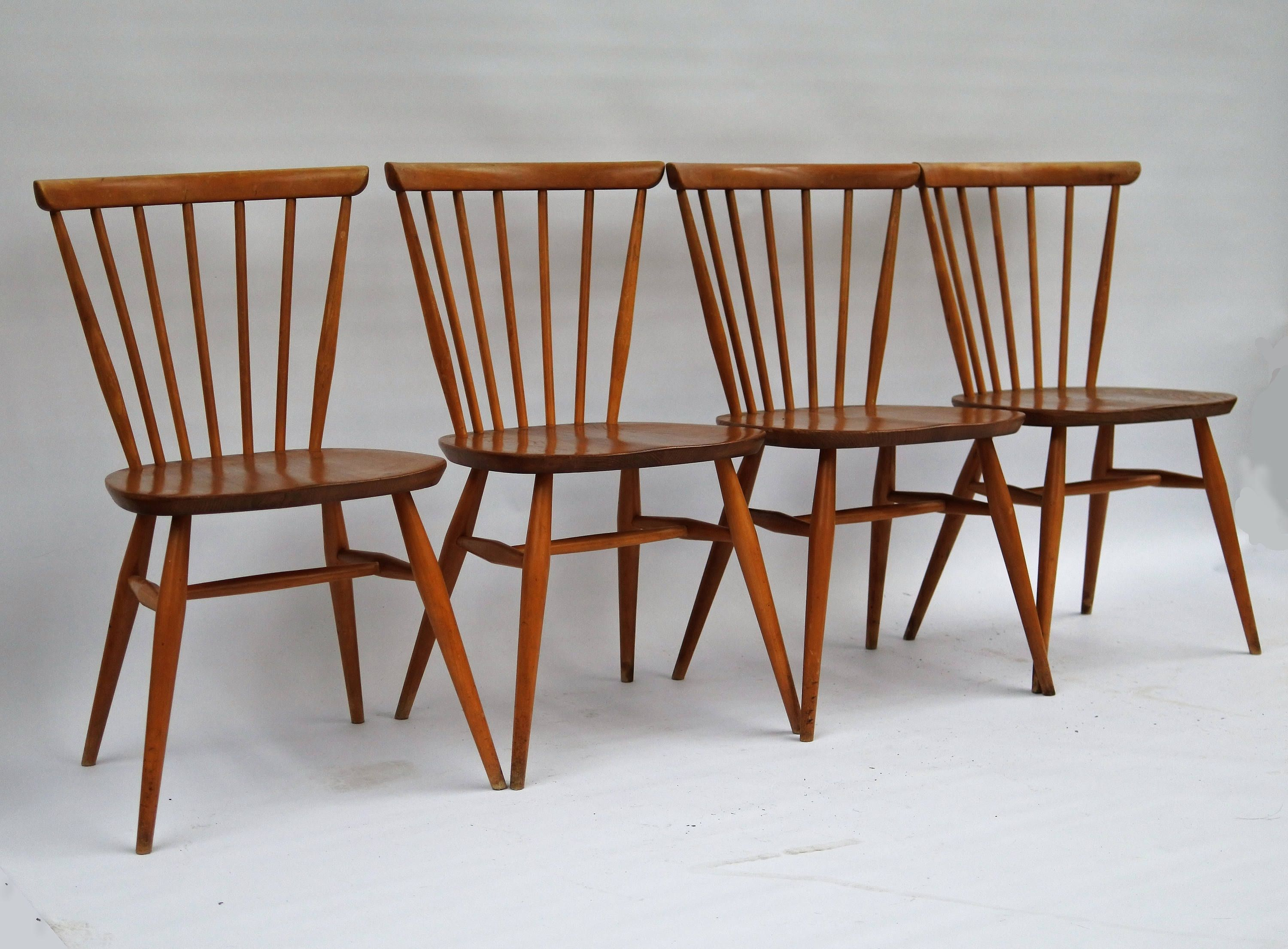 Set Of 4 Ercol Windsor Bow Top Dining Chairs In Light Finish 449
