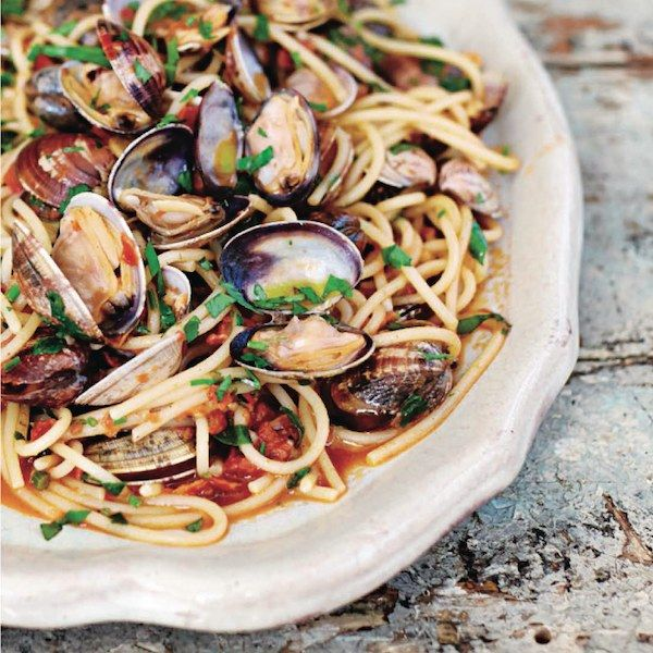 Jamie Oliver's blushing spaghetti vongole. Classy and comforting #pasta