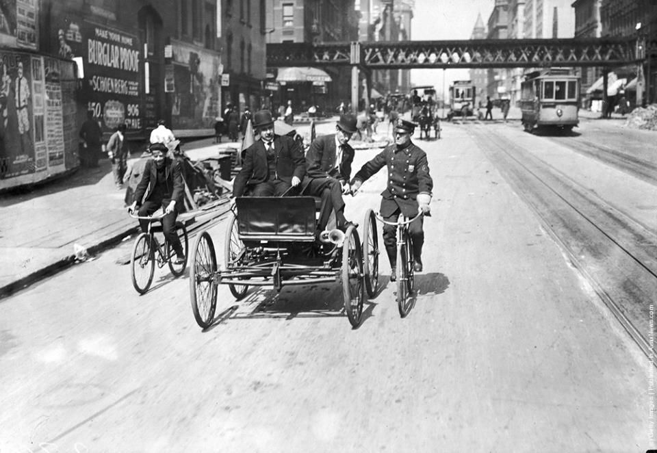 The first automobile made in America based on plans by Elwood G ...