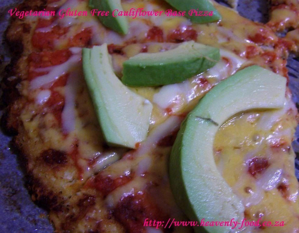 Gluten Free Cauliflower Vegetarian Pizza #glutenfree #vegetarian #cauliflower #avocado