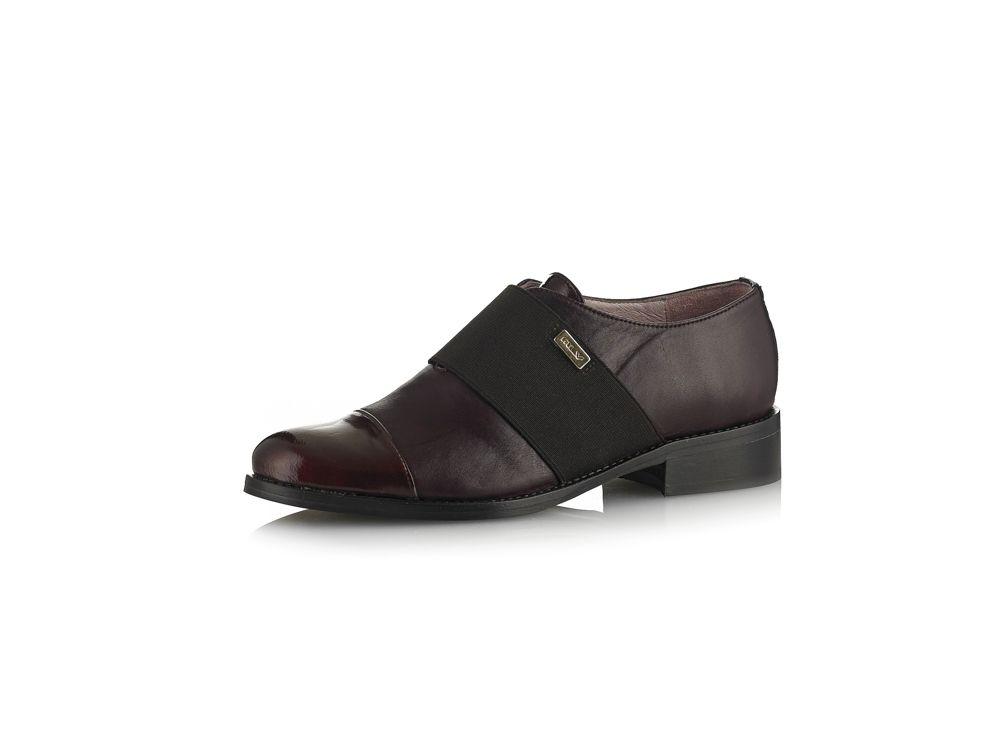 4a59d3a1a Sapato em verniz e pele com salto baixo - Colecção Sapatos salto baixo  Senhora Outono   Inverno 2015-2016