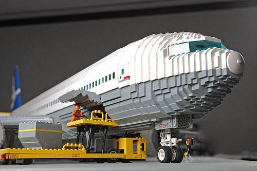 boeing 777 forward cargo