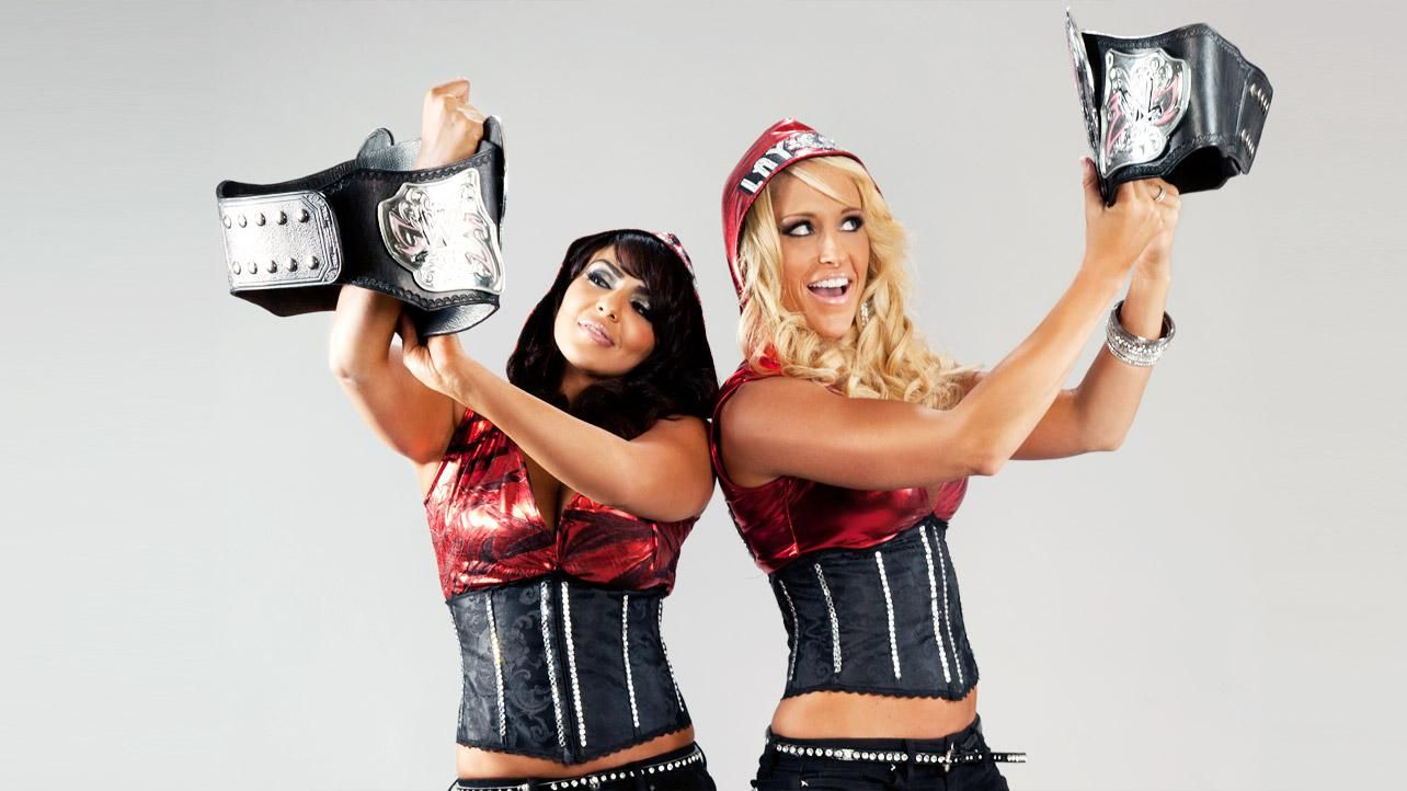 Layla and michelle mccool become friends before dating