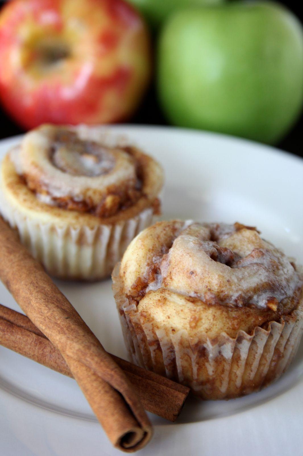 Apple Cinnamon Roll Muffins
