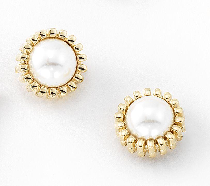 Aretes con 4 baños de oro de 18 kilates y perlas.