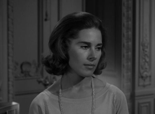 Joan Hackett As Esther Fortune From The Twilight Zone Episode A Piano In The House Twilight Zone Episodes Twilight Zone Hackett