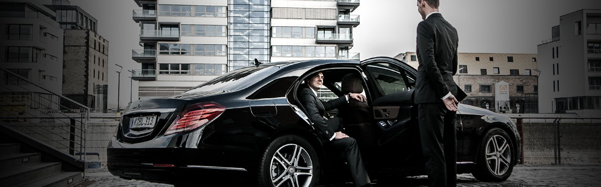 Enjoy Reliable Worry Free Travel By Reserving A Personal Chauffeur When You Rent A Vehicle In Popular De Town Car Service Black Car Service Chauffeur Service