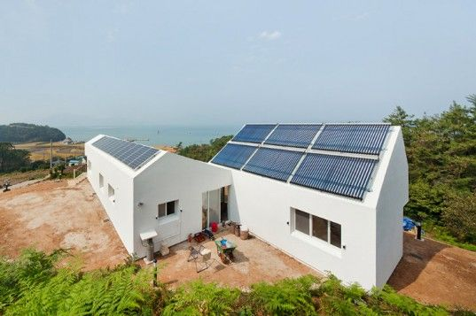 Sosoljip Is A Self Sufficient Net Zero Energy House In South Korea Zero Energy House Sustainable Home House Design