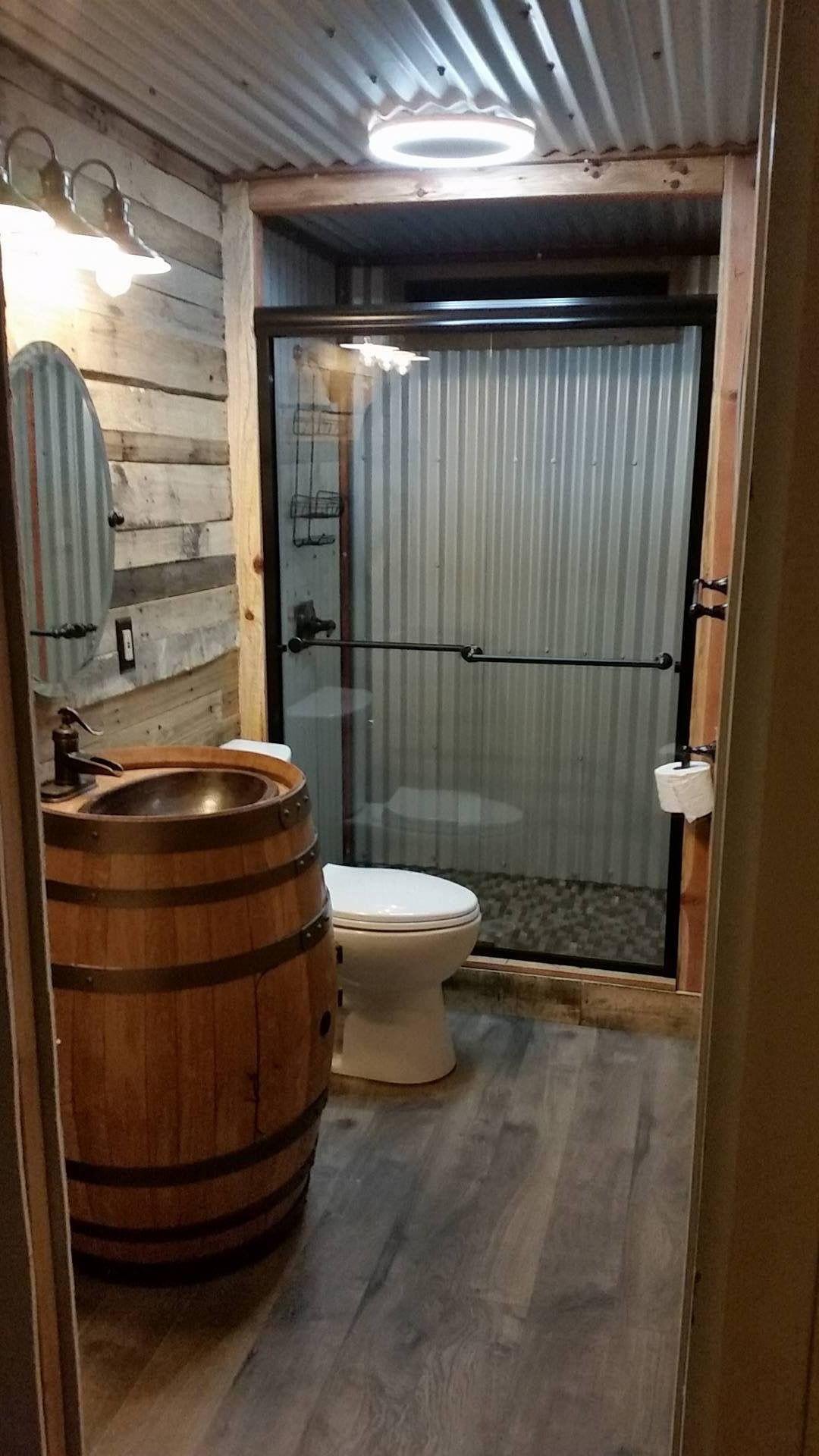 Pin von Kim Dill auf cabin   Pinterest   Badezimmer, Bäder und Wohnideen