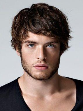 Причёски мужские для средних волос фото