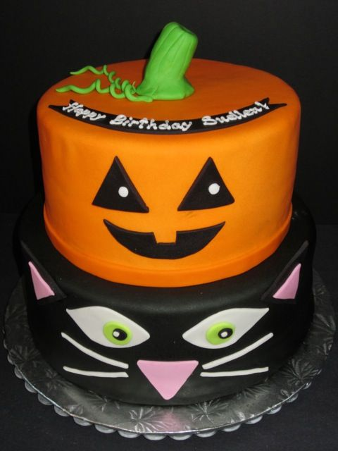 Fondant Cake Halloween Ideas : Black+Cat+&+Pumpkin+Halloween+Birthday+Cake+cakepins.com ...