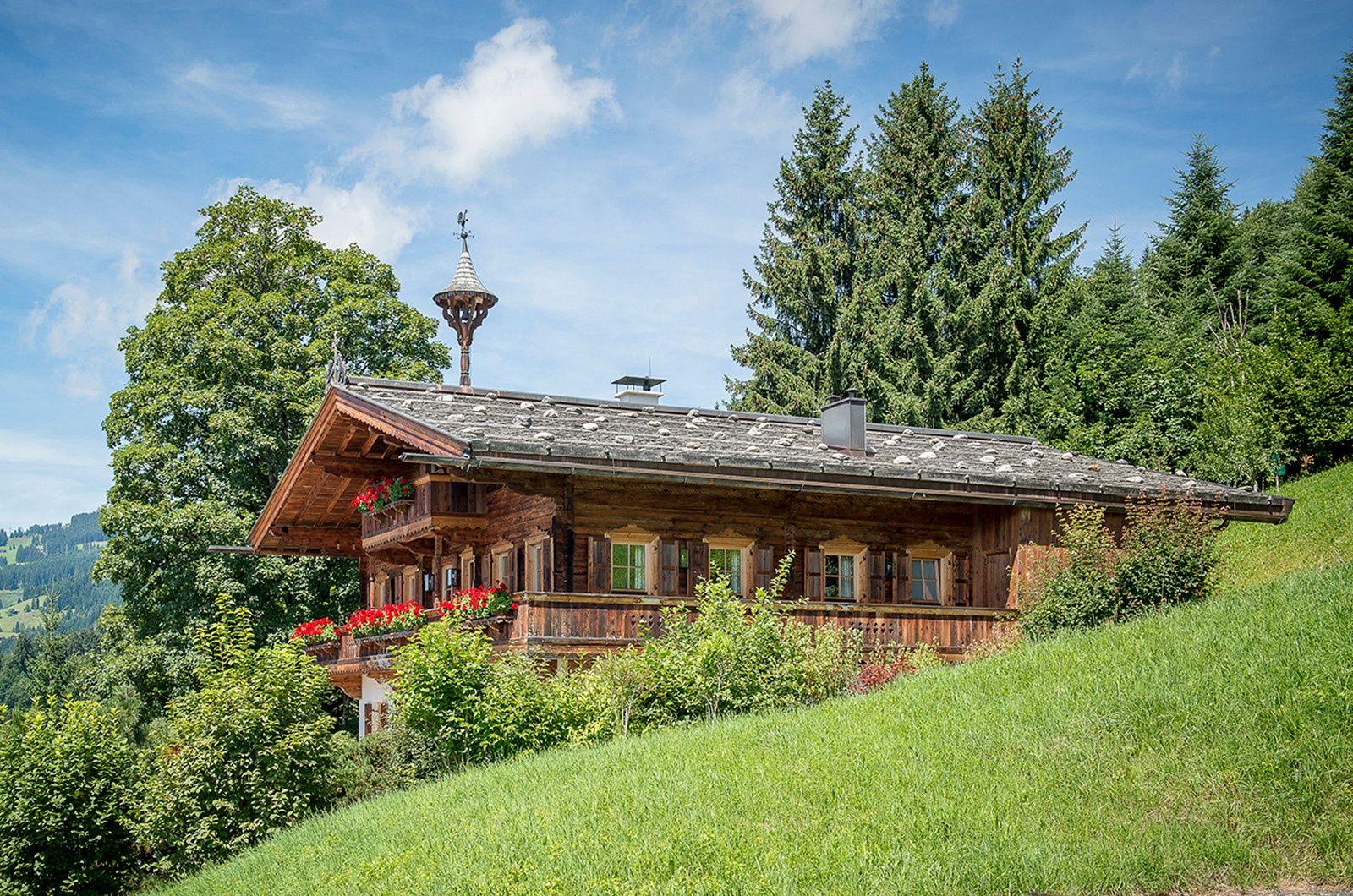 Auf Der Suche Nach Einer Neuen Immobilie Das Moderne Bauernhaus In Kirchberg In Tirol Bietet Jeglichen Luxus Den Man S Bauernhaus Hütte Kaufen Schöne Zuhause