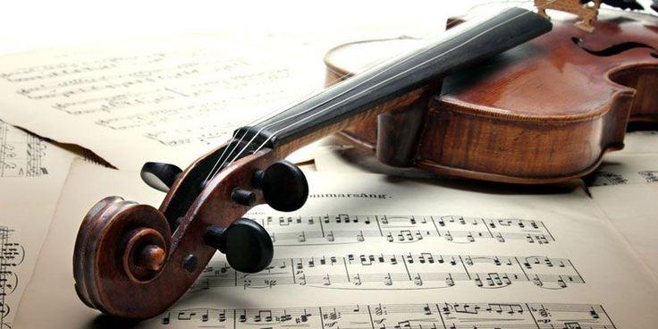 Klassische Musik schützt unser Gehirn – das haben finnische Forscher jetzt he… – Musik-Noten