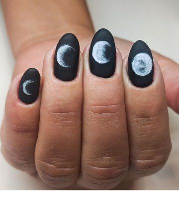 Moon phase mirrors will add mysterious touch to any halloween decorations like pumpkin, bat, ghost, spider, skeleton, tomb, zombie, blood. 15 Halloween Nail Art Ideas You Can Wear All October | Moon nails, Black nails with glitter ...