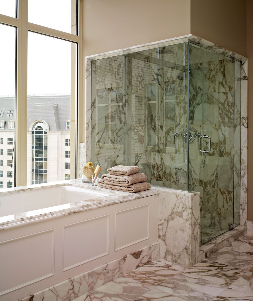 Dallas' Most Glamorous Bathrooms