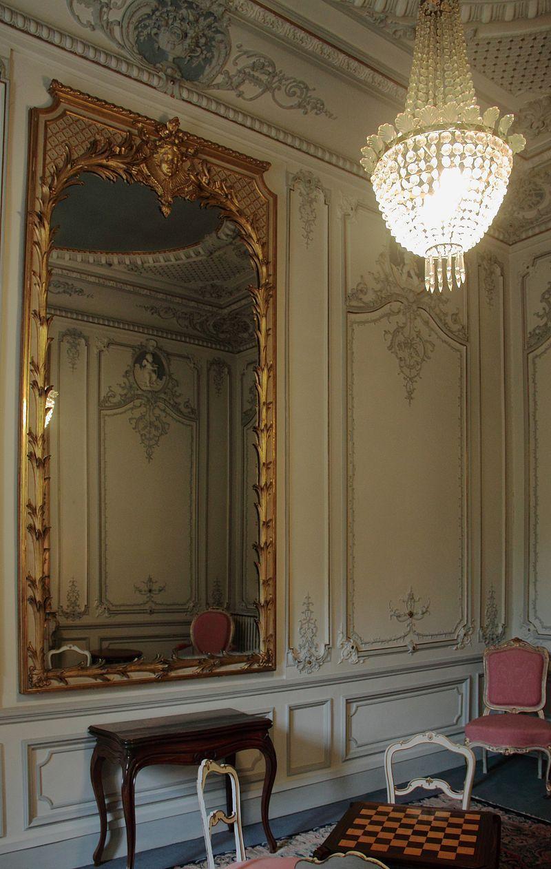 int rieur du palais niel toulouse 01 furniture. Black Bedroom Furniture Sets. Home Design Ideas