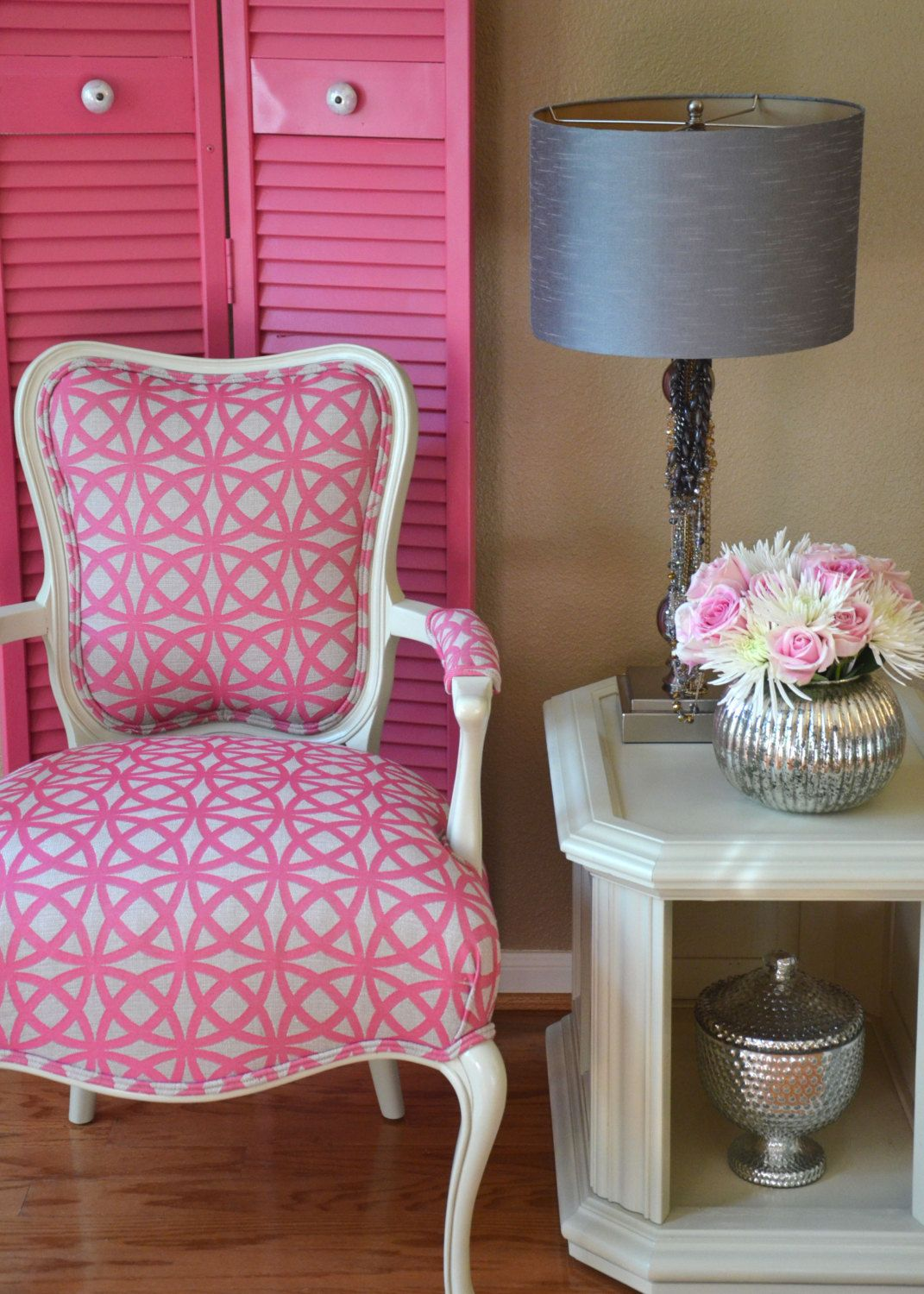 Best Louis Style Arm Chair Upholstered In Pink Www 640 x 480