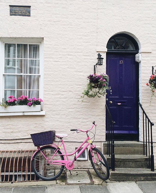 When opportunity knocks, you hop on your pink bicycle and ride like - interieur trends im sommer inspiration bilder