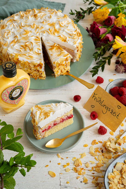 Eierlikörtorte vom Weltmeister der Konditoren Himbeer-Baiser-Torte mit Verpoorten Original