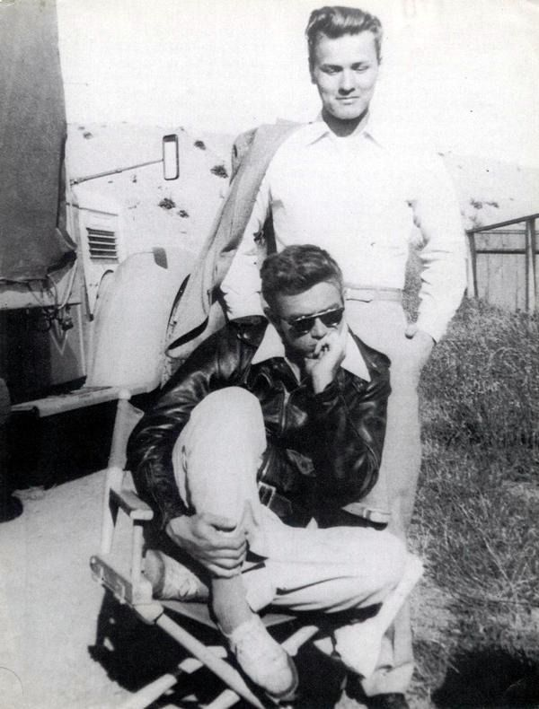 James Dean and Richard Davalos