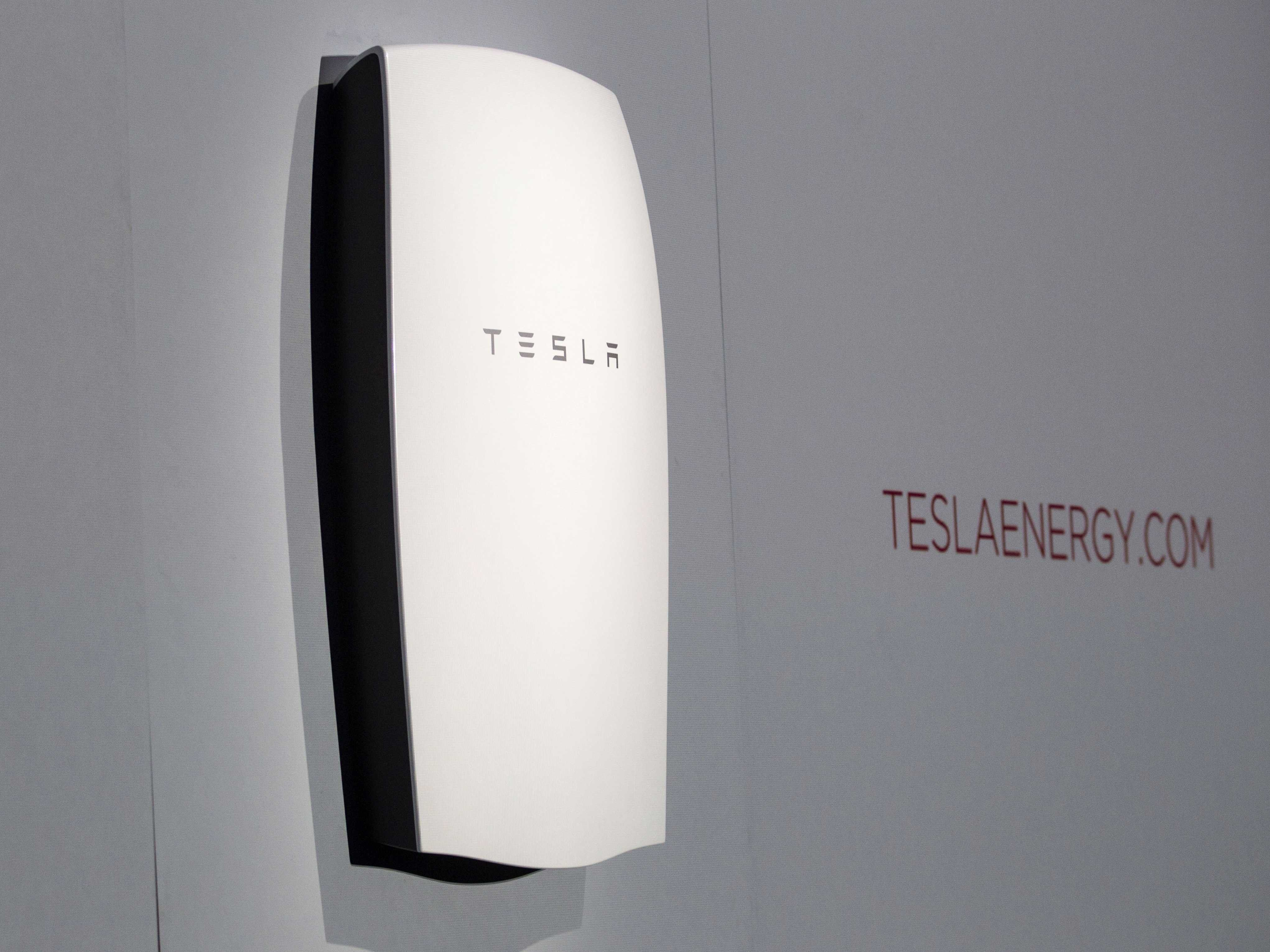 Tesla S New Rechargeable Battery That Can Power Your Home Is Coming This Summer Tesla Powerwall Powerwall Tesla