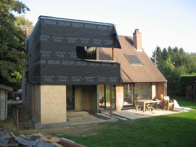 Une extension en bois sur 2 tages avec bardage bois sur for Agrandissement maison 69