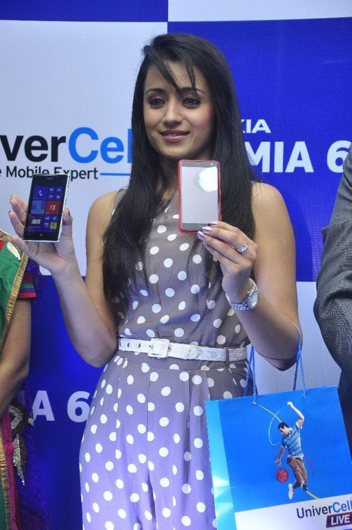 Actress Trisha Nokia Lumia 925 and Lumia 625 Launch at