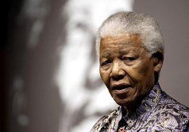 28-Mar-2013 9:58 - MANDELA OPNIEUW OPGENOMEN IN ZIEKENHUIS VOOR LONGONTSTEKING. De voormalige Zuid-Afrikaanse president Nelson Mandela is vannacht weer opgenomen in het ziekenhuis omdat zijn longontsteking opnieuw opspeelt. Dat meldt de Zuid-Afrikaanse regering op haar website.