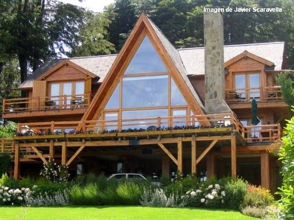Caba a tipo chalet estilo americano de madera for Casas de madera estilo americano