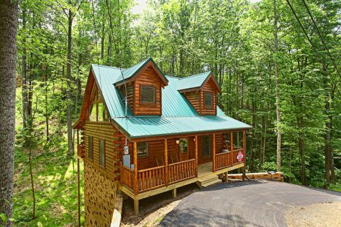 downtown wild tn cabin kingdom property bedroom gatlinburg photo honeymoon rental rentals chalet to close village cabins picture in
