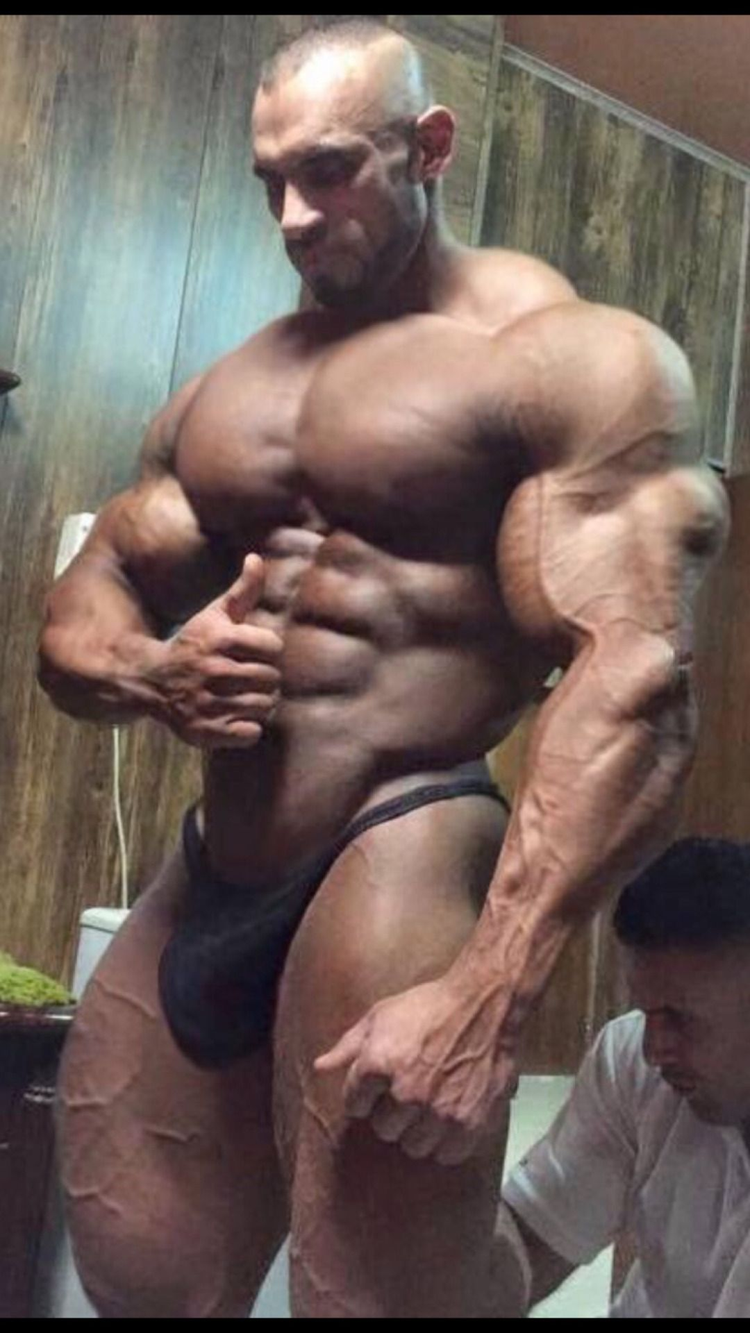 from Gunner body building gay male