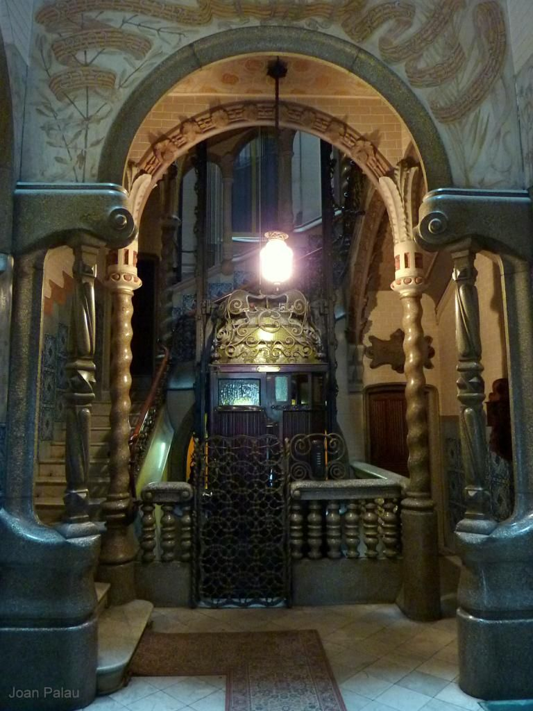 Interior Casa LLorens Camprubí Modernisme a Barcelona Catalonia ...