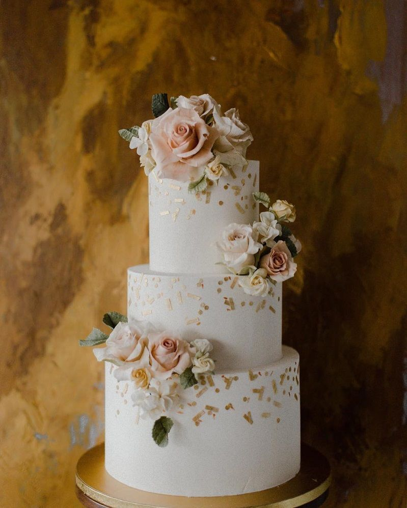 22 Beautiful wedding cakes to inspire you : Three tier wedding cake topped with blush roses