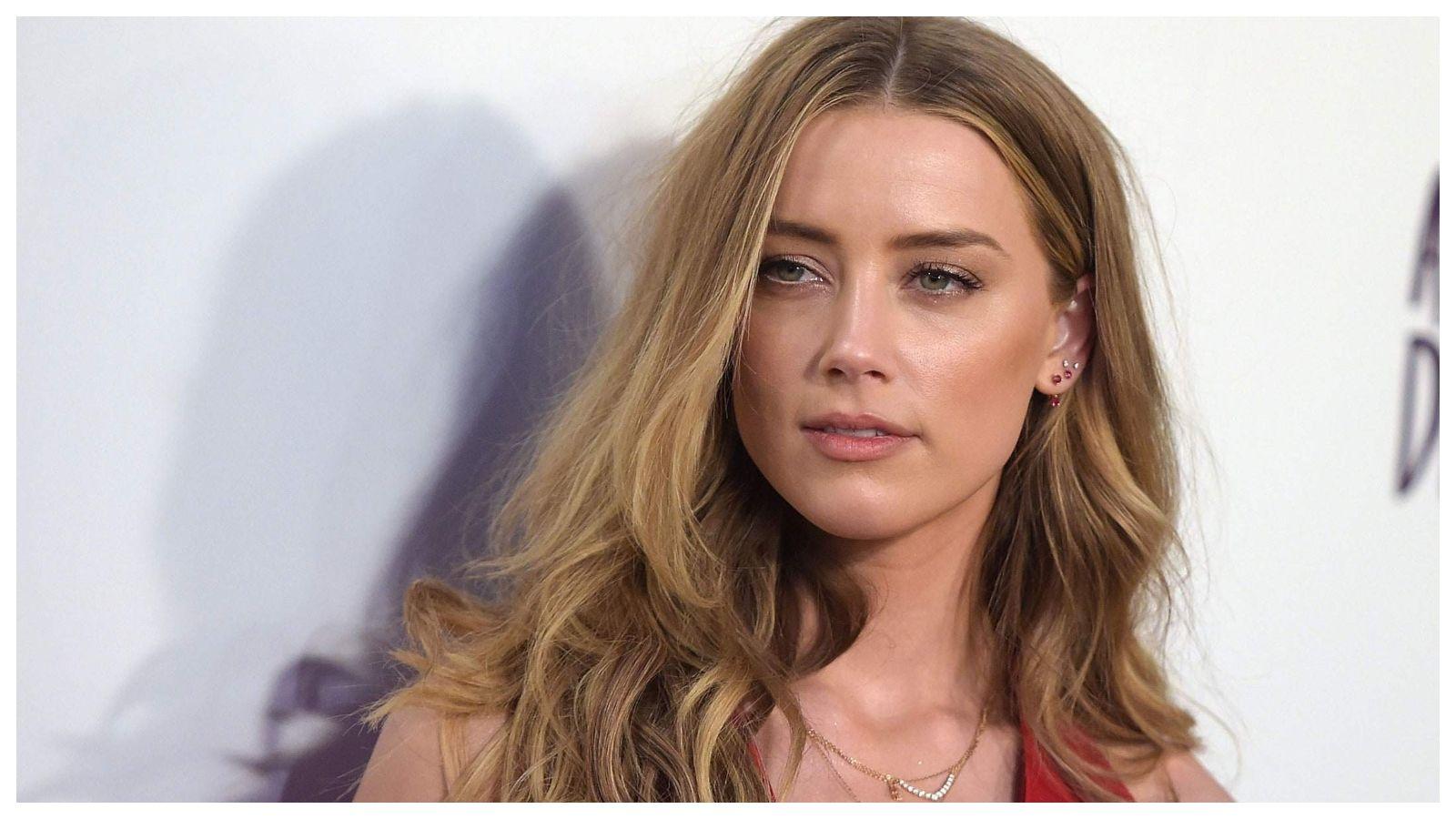 أمبر هيرد تخلف وعدها بالتبرع بمبلغ ٧ مليون دولار واتهامات بأنها باحثة عن الأموال فقط In 2021 Beauty People Long Hair Styles Hair Styles