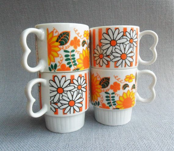 RetroMod Flower Power Footed Coffee Cups Set of 2, Vintage